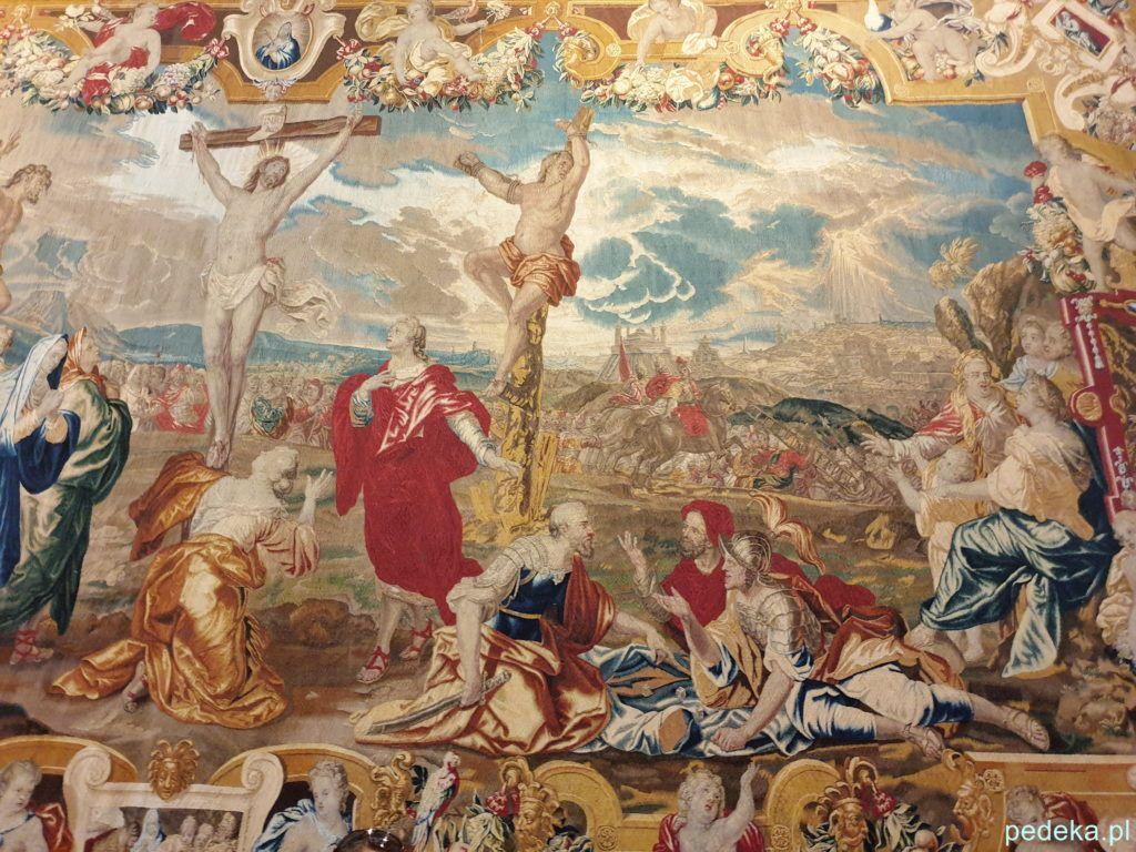 Arras przedstawiający Ukrzyżowanie