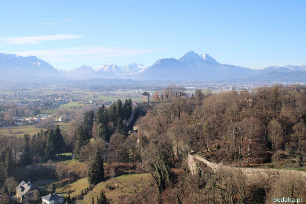 Salzburg widok z góry w tle Alpy