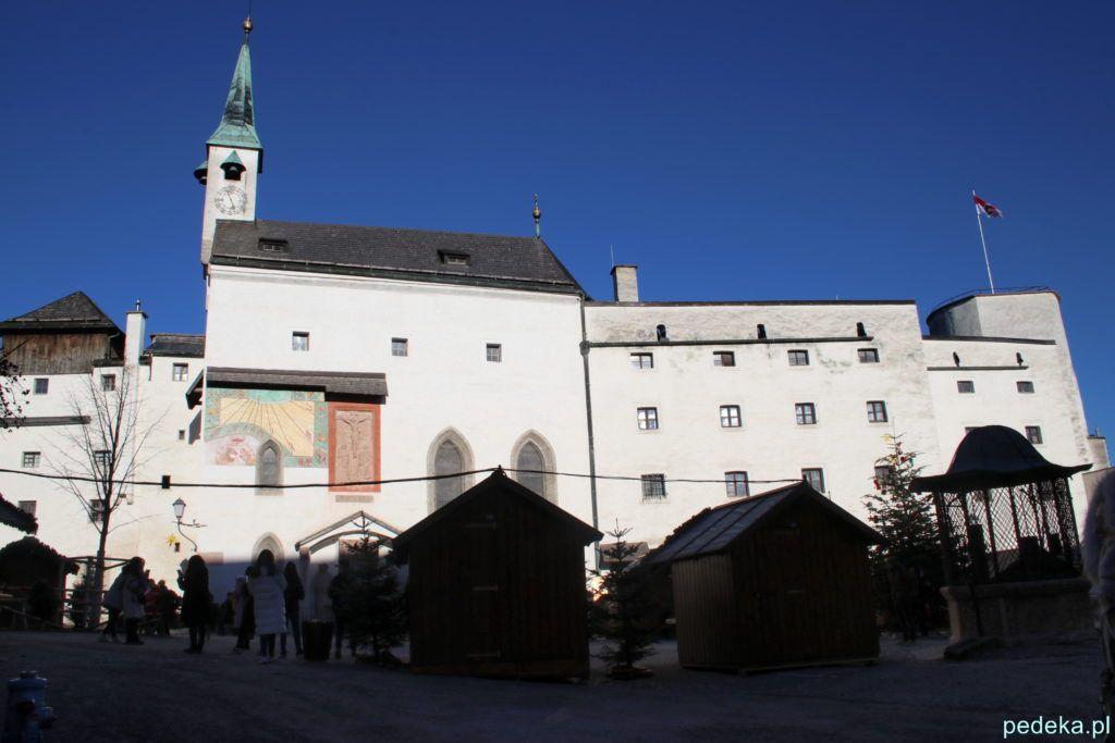 Salzburg. dziedziniec i zamek