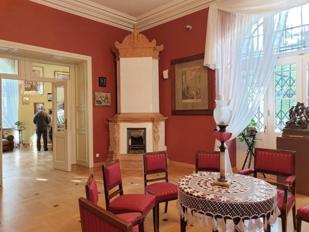Oblęgorek, kolejny pokój, salon