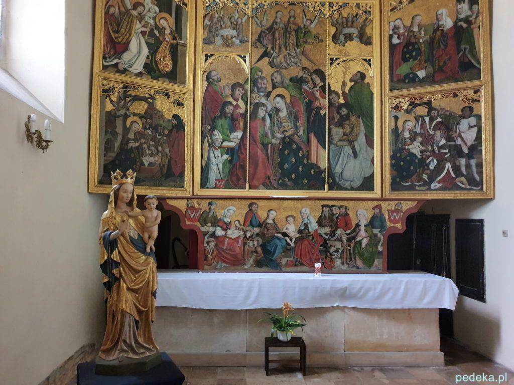 Gotycki ołtarz i rzeźba