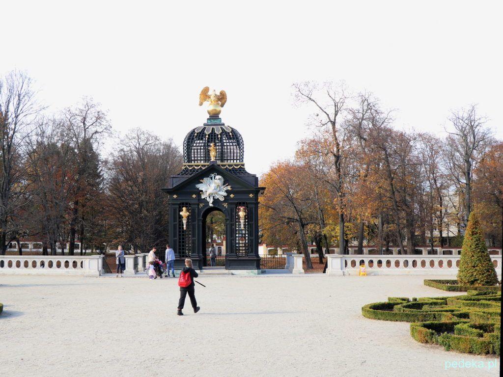 Białystok. W pałacowym ogrodzie