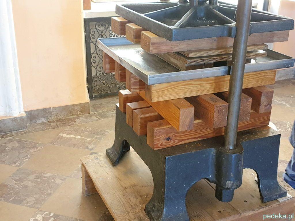 Supraśl. Jedna z maszyn w muzeum drukarstwa