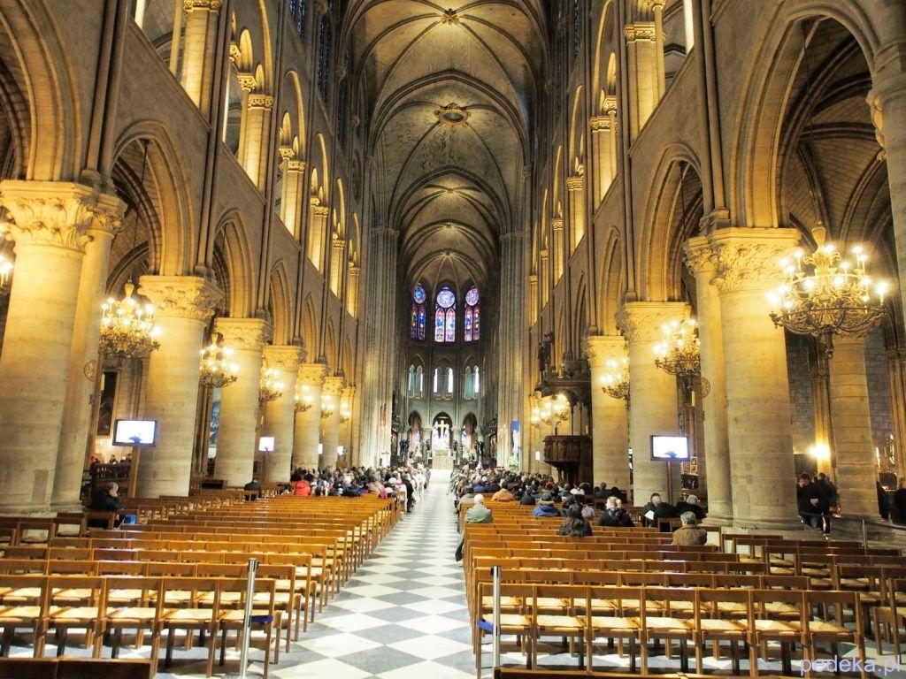 Katedra Notre Dame przed pożarem