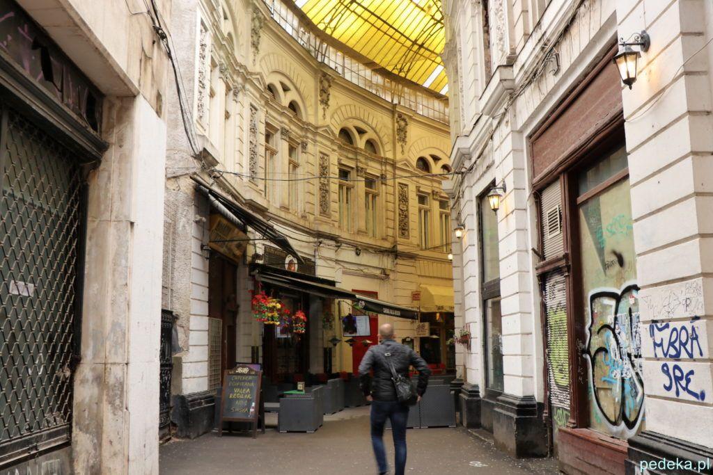 Bukareszt Stare Miasto. Pasajul Macca Villacrosse