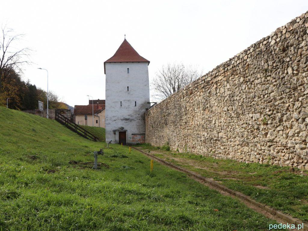 Braszów. Mury obronne i jedna z wież