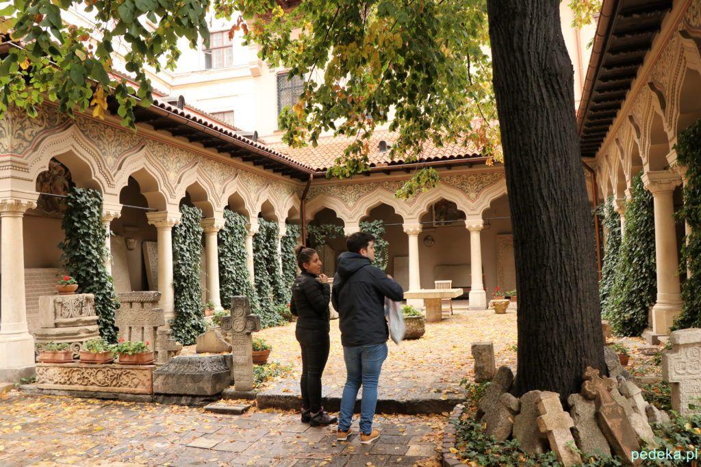 Bukareszt Stare Miasto. Cerkiew Stawropoleos, dziedziniec