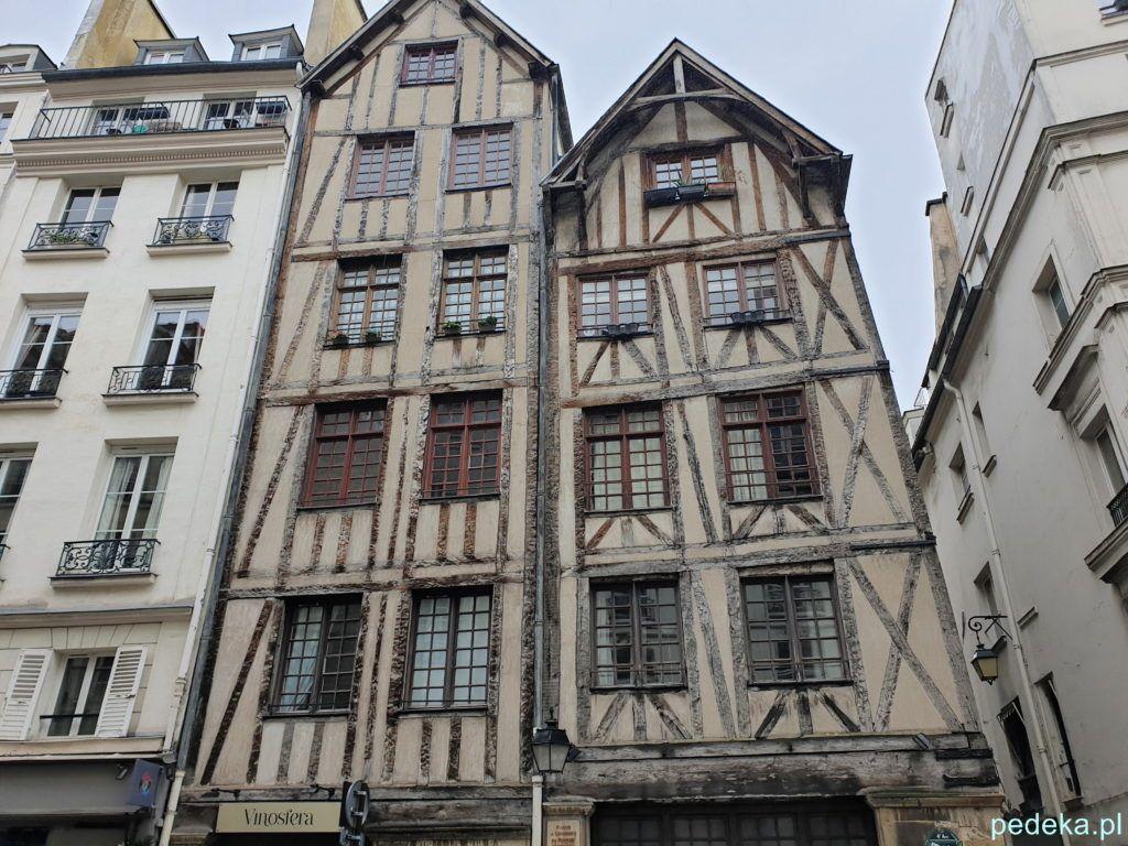 Paryż Le Marais. Stare domy