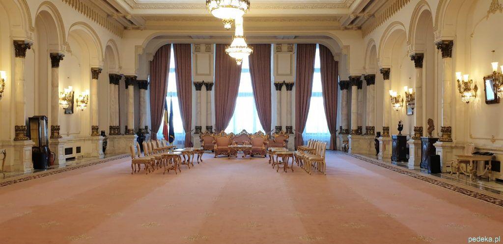 Bukareszt zwiedzanie parlamentu.jedna z mniejszych sal
