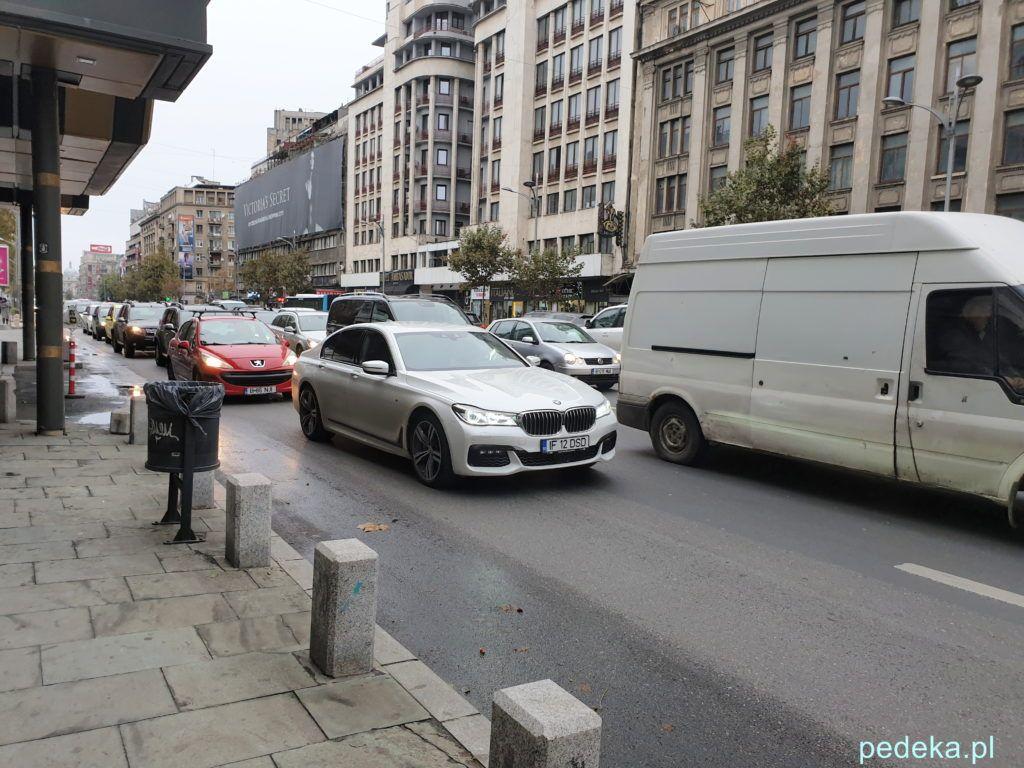 Bukareszt Stare Miasto. Samochody w korku