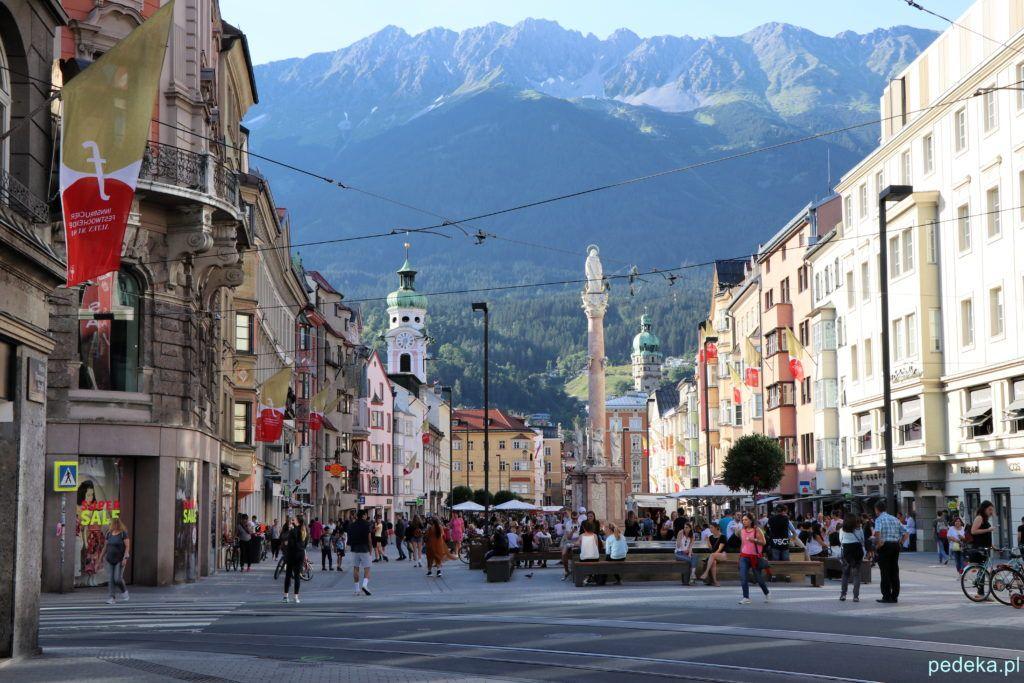 Jeden dzień w Innsbrucku. Figura św.Anny