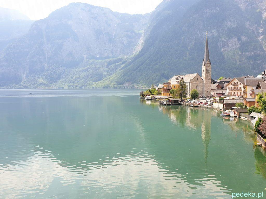 Alpy w okolicy Salzburga. Hallstatt, tym razem na turkusowym tle