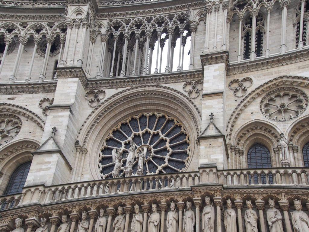 Katedra Notre Dame. Rozeta i galeria królów przed pożarem