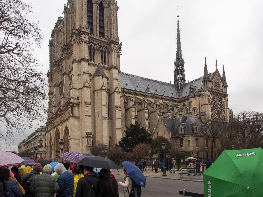 Dla porównania katedra przed pożarem
