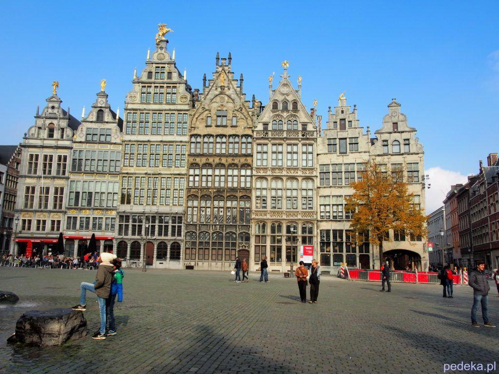 Jeden dzień w Antwerpii. Kamienice w Rynku