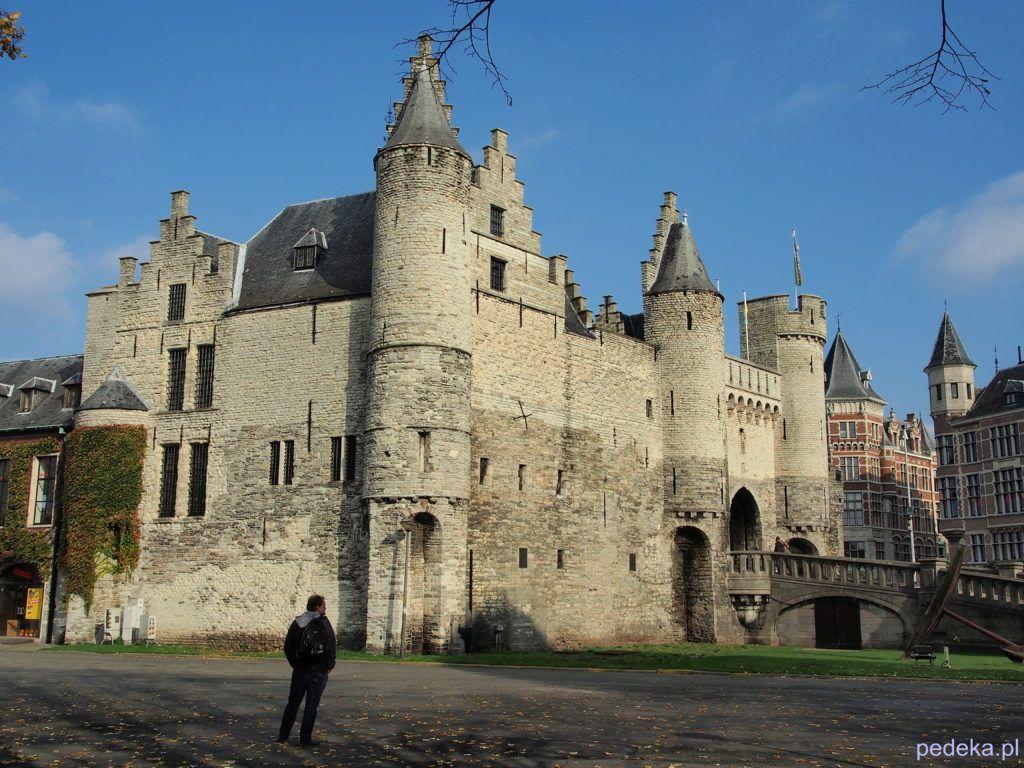Jeden dzień w Antwerpii. Zamek