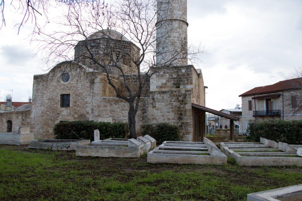 Meczet i groby w Pafos