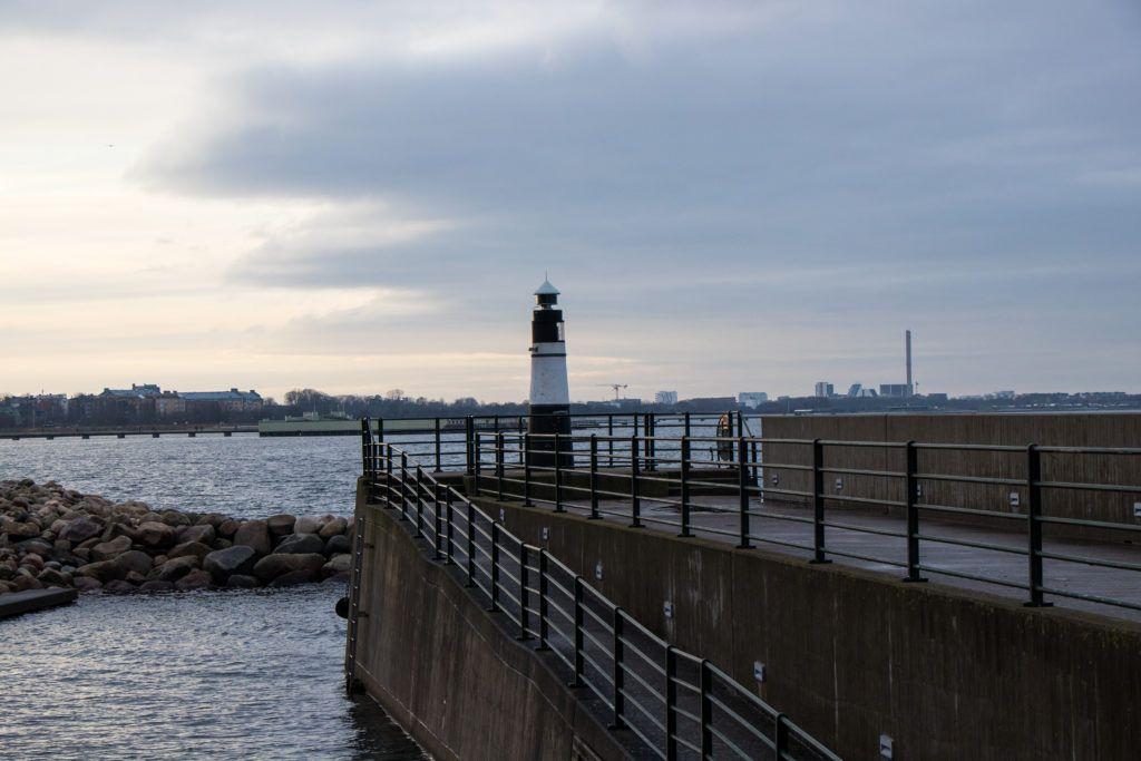 Malmö. Nad morzem o zachodzie słońca