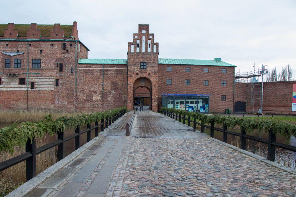 Malmö. Wejście na dziedziniec zamkowy