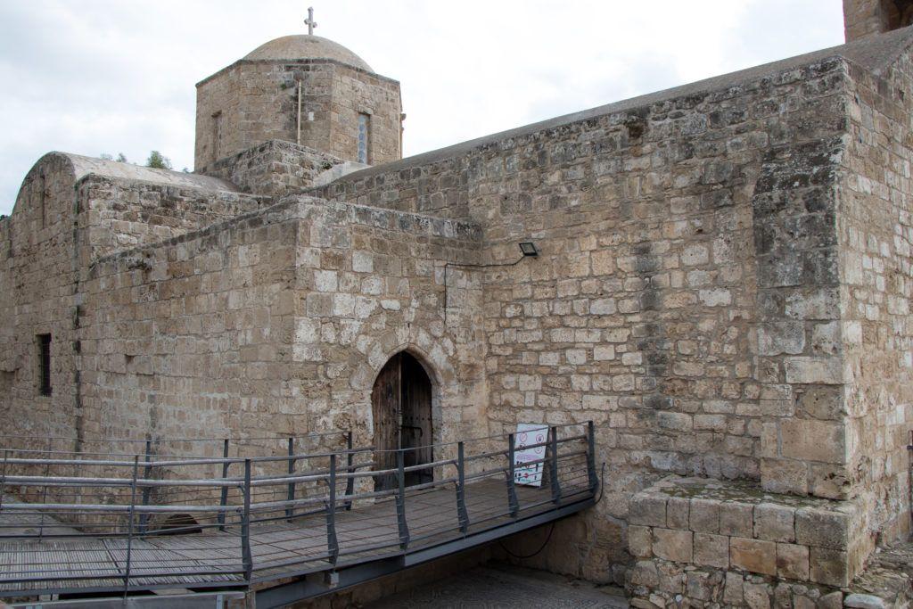 Pafos. Wejście do kościoła