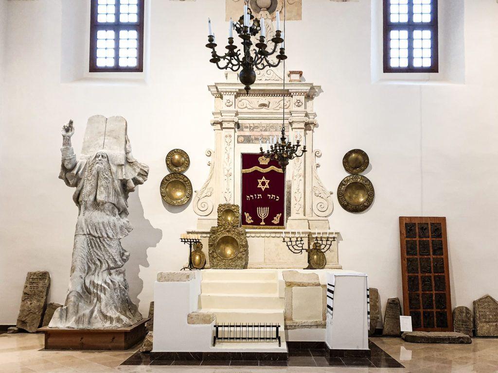 Synagoga wewnątrz
