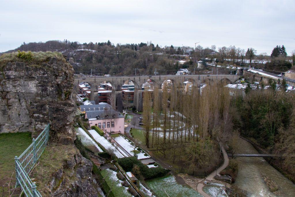 Luksemburg. Wiadukt z daleka