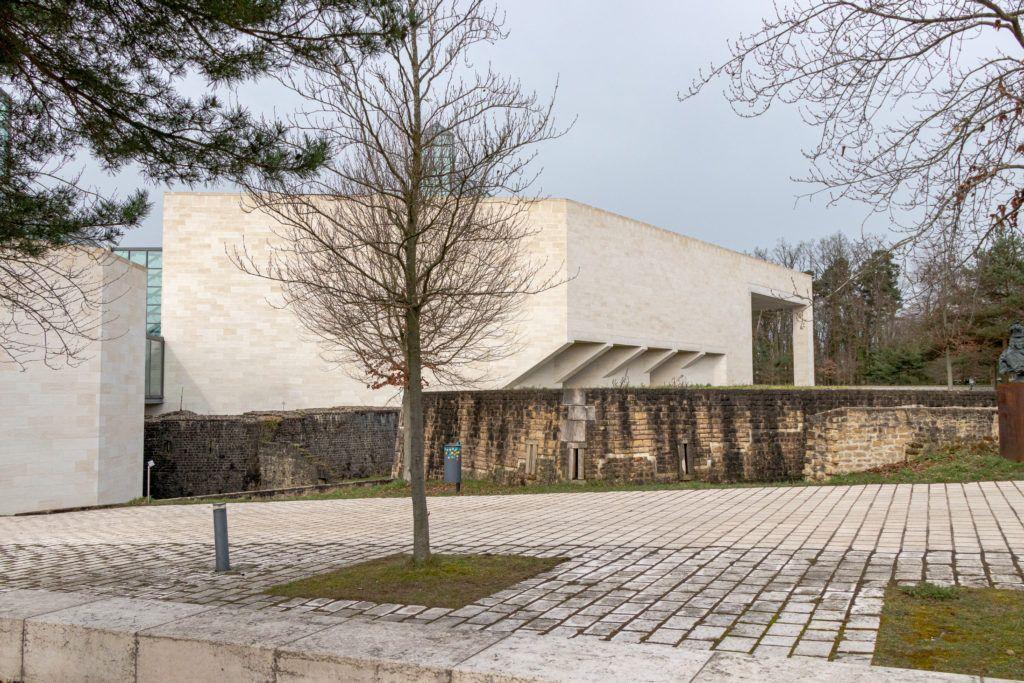 Budynek Muzeum Sztuki Nowoczesnej
