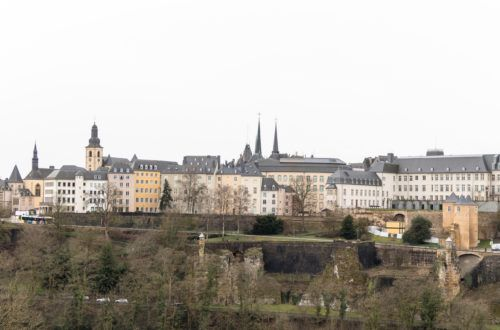 Luksemburg. W drodze do Dolnego Miasta taki mieliśmy widok na centrum
