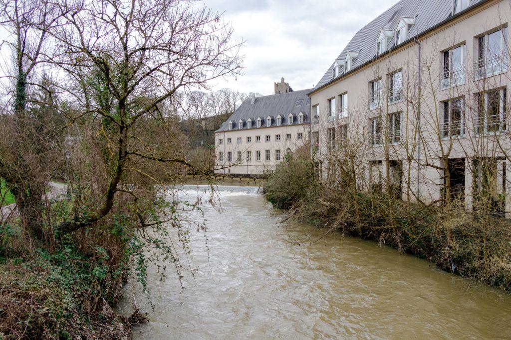 Luksemburg. Na dole nad rzeką