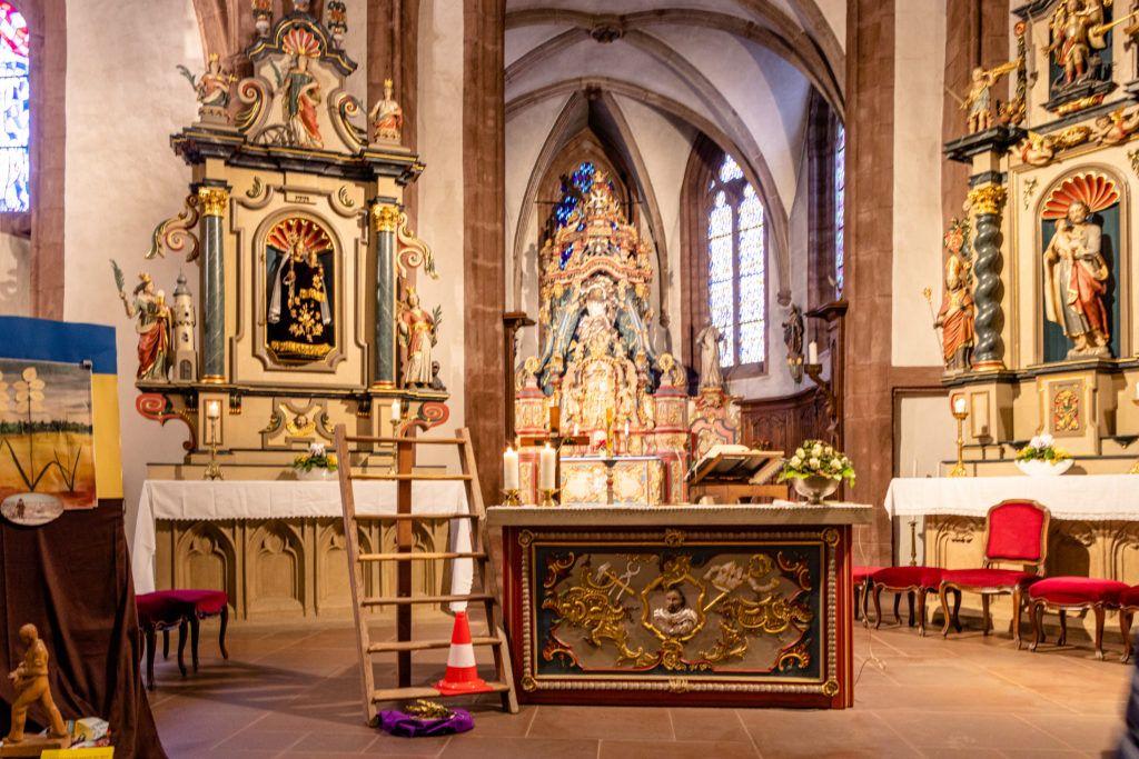 Vianden. Kościół Św.Trójcy, ołtarz boczny