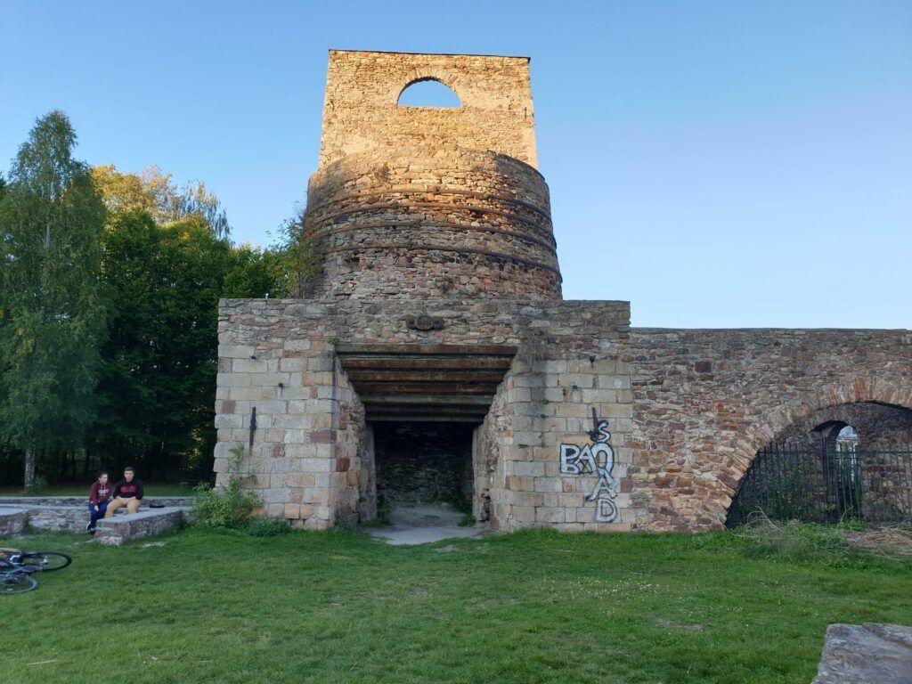 Okolice Kielc. Ruiny huty w Samsonowie