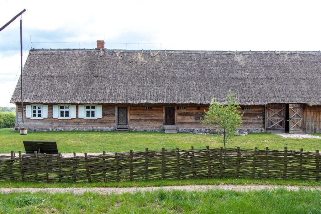 Olenderski Park Etnograficzny. Dom z Niedźwiedzia