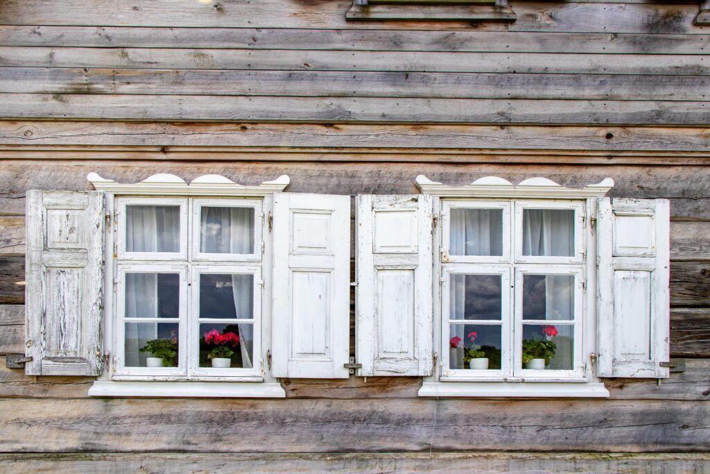 Olenderski Park Etnograficzny. Okna