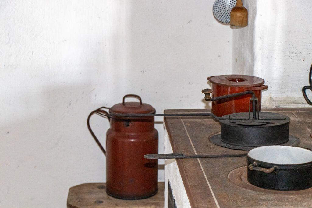 Olenderski Park Etnograficzna. Kuchnia w domu z Niedźwiedzia