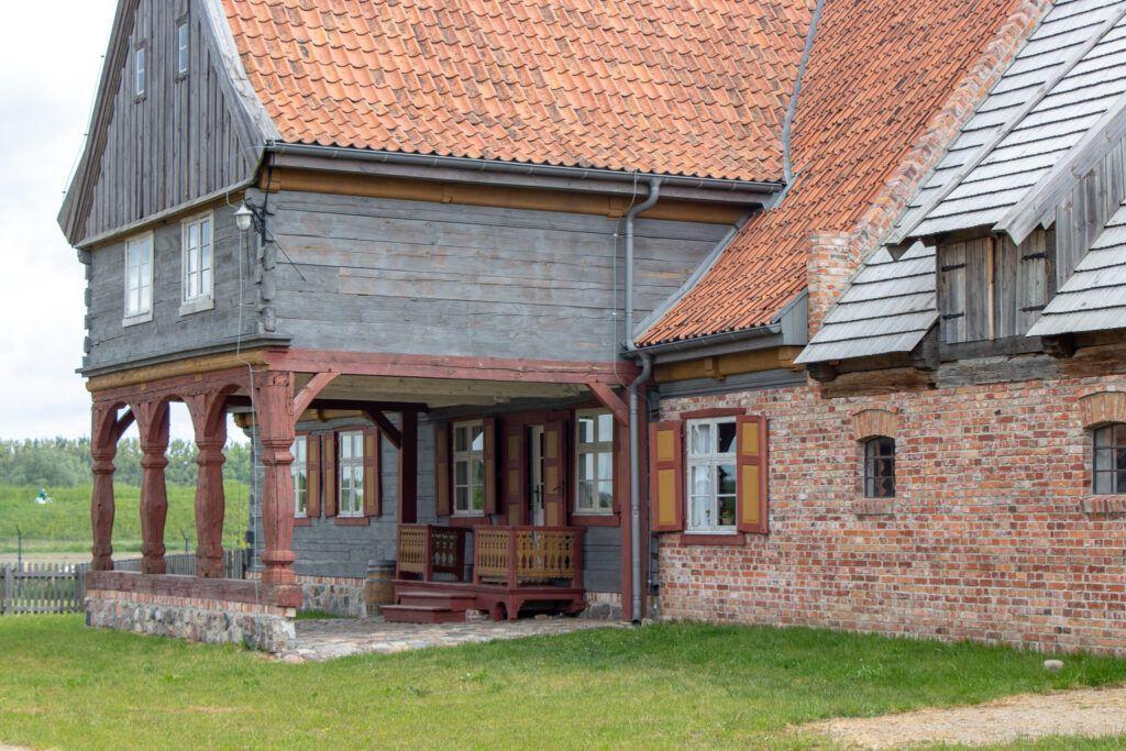 Dom z Kaniczek od frontu