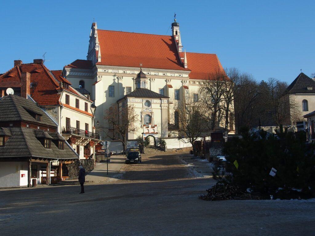 Kościół farny, widok z Rynku