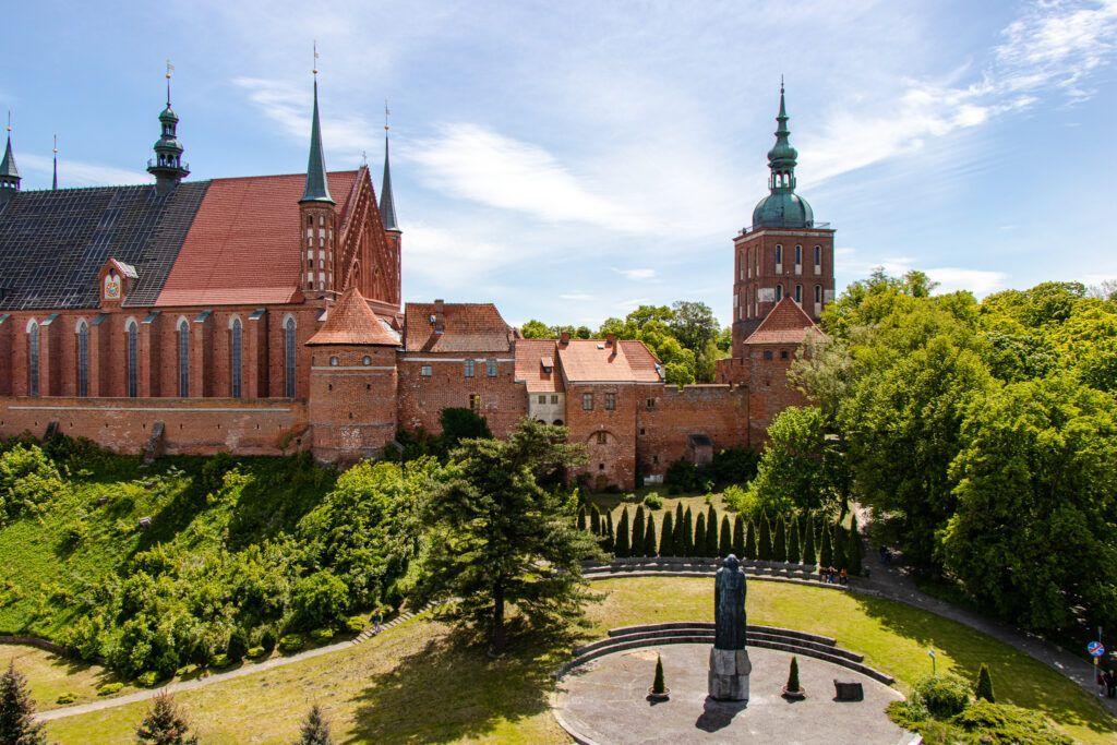 Widok z kawiarni na Wzgórze Katedralne