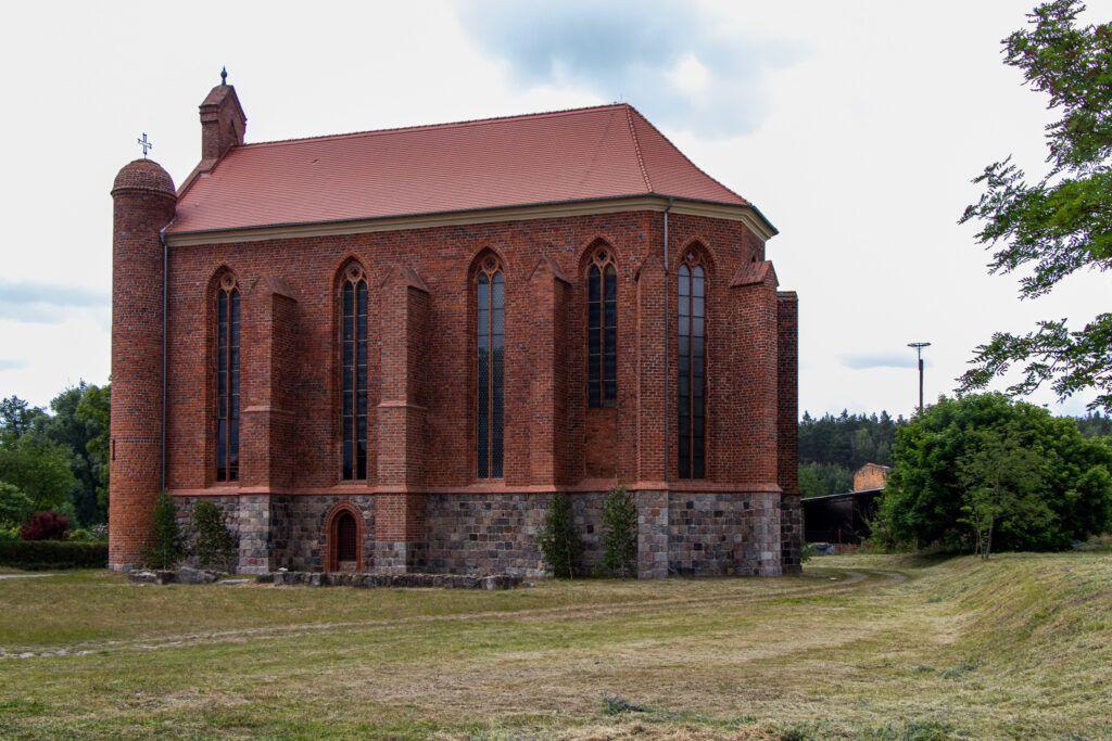 Chwarszczany i Rurka - kościół w Chwarszczanach