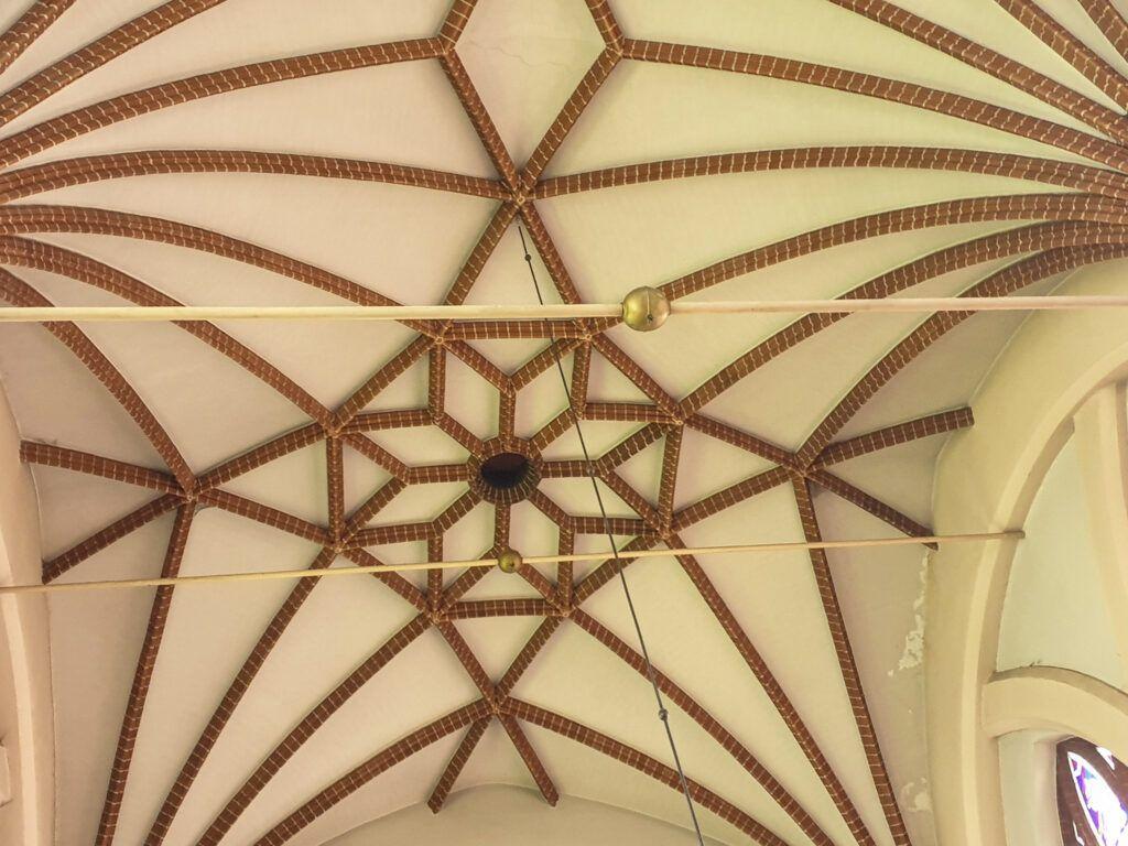 Wileńskie kościoły. Wspaniałe sklepienie
