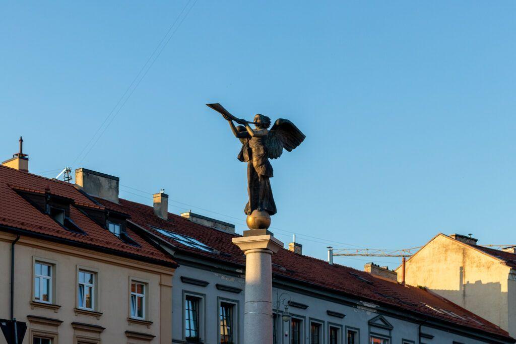 Wilno spacery, Anioł, symbol Zarzecza