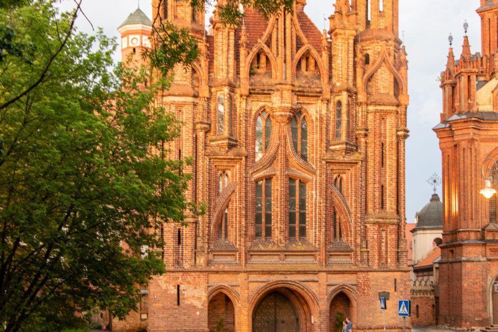 Wileńskie kościoły. Kościół św.Anny o zachodzie słońca