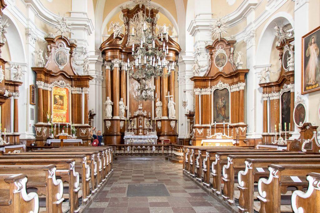 Osieczna, wnętrze kościoła św. Walentego