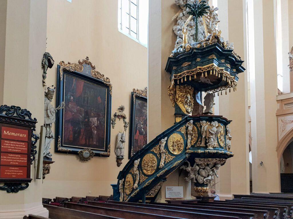 Ambona w kościele w Kamieńcu Ząbkowickim