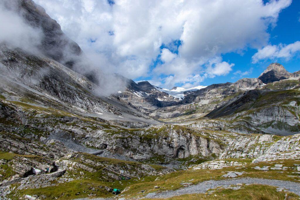 Leukerbad do schroniska Lämmeren , dolina, szczyty i lodowiec