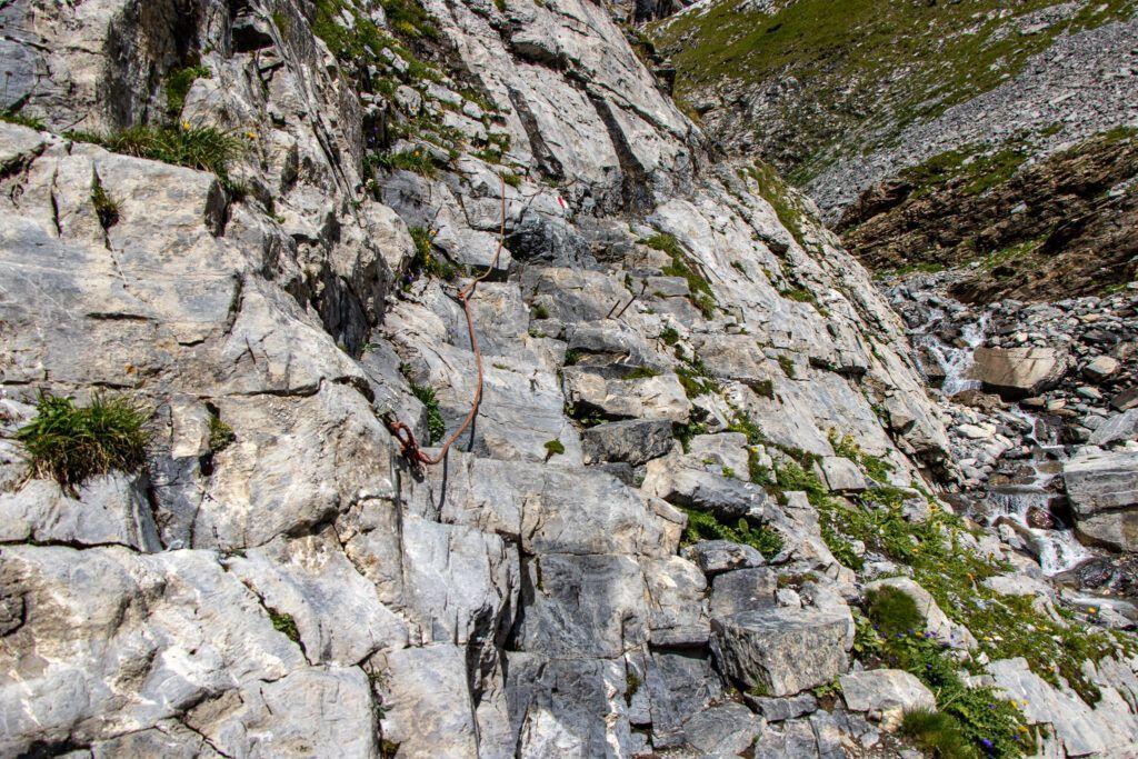 Leukerbad do schroniska Lämmeren , nasz szlak po skalnej ścianie