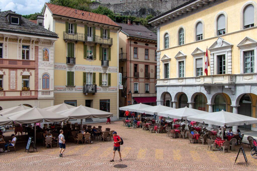 Bellinzona. Plac Katedralny