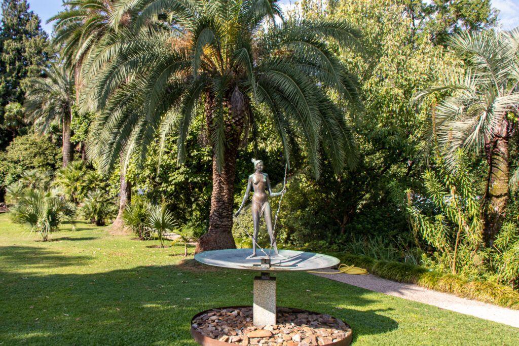 Wyspa Brissago, rzeźba w ogrodzie botanicznym