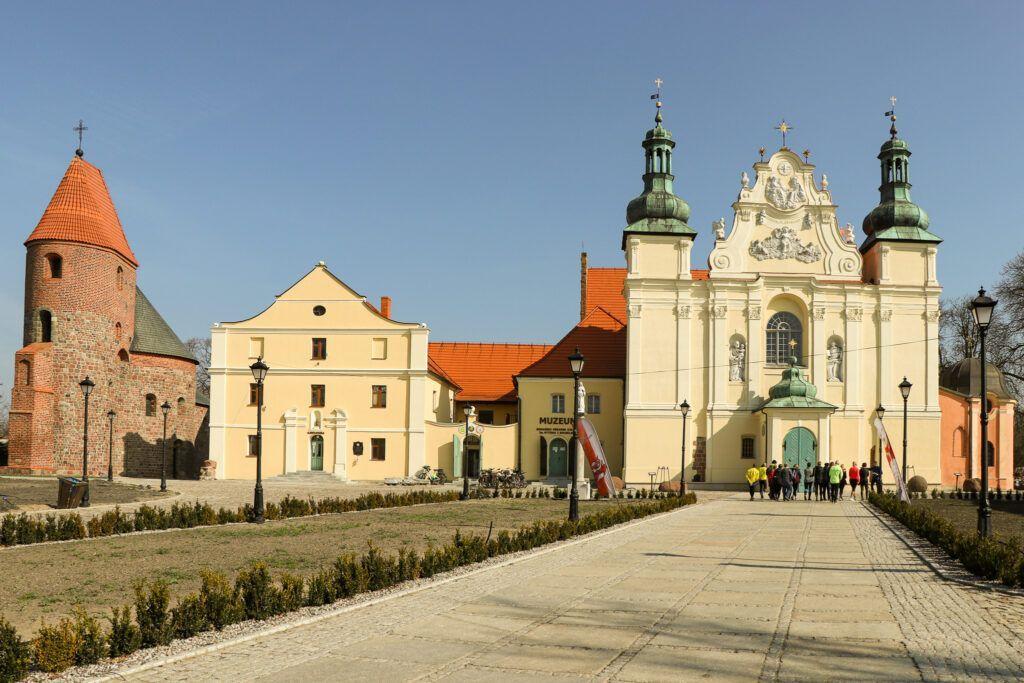 Weekend w okolicy Biskupina. Wzgórze św. Wojciecha w Strzelnie