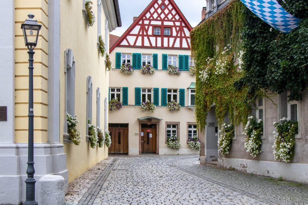 Kulmbach. Domy z kwiatami