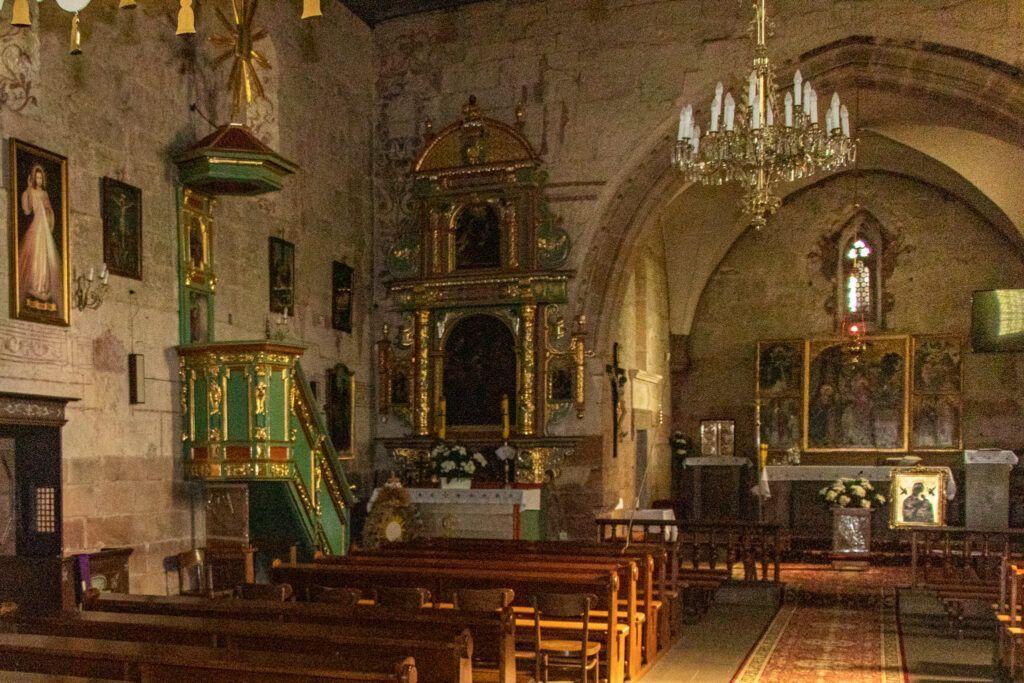Wnętrze kościoła w Tarczku